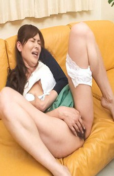 Hitomi Kanou Asian sucks tool and fucks her asshole with vibrator
