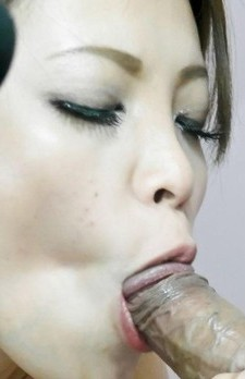 Yurika Gotou Asian in fishnets gets finger in twat and vibrator