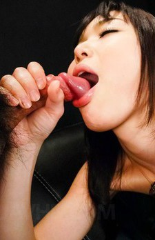 Megumi Shino Asian has cunt licked by gal while sucking penises