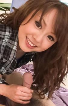 Dカップ美乳スレンダーギャル葉山潤子ちゃんが痴女プレイ。逆マン繰りで、男優の尻穴を舐め、カメラ目線でバキュームフェラ。