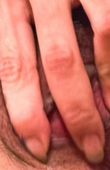 アジアンビューティーイブちゃんが指マン責めから、ご奉仕フェラ。喉奥イラマ責めでゲボフェラ!