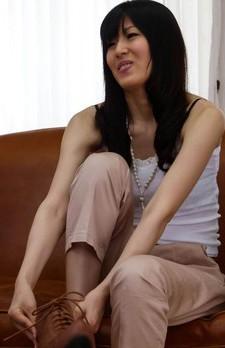 Nozomi Koizumi Asian has fine tits fondled and gets vibrators