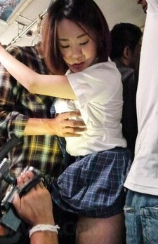 Yuna Satsuki is caught on camera sucking strangers cocks in bus