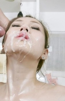 Ameri-Ichinose-Rubs-Oiled-Cans-With-Rope-And-Gets-Sperm-On-Mouth-u6uukuwejl.jpg