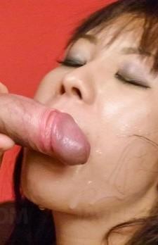 Hina Tokisaka gets cum on face after rubbing dicks between boobs