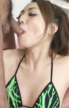 Yuu Shiraishi Asian has face splashed with cum from two dicks