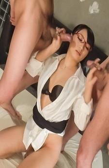 Kokona Sakurai with specs has cum on face after sucking shlong