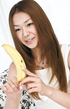 Sakura Hirota Asian always loves licking bananas and hard cocks