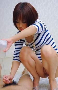 唾液フェラ、ローション垂れ流しの痴女プレイでザーメンを搾り取るスレンダーパイパンギャル茉城ねね!