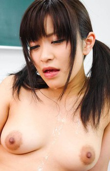 Aika Hoshino Asian uses vibrator and waits for cum in her mouth
